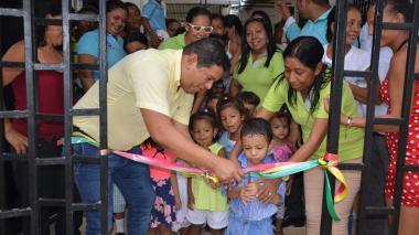 El alcalde de Malambo, Efraín Bello, durante la entrega de las adecuaciones.