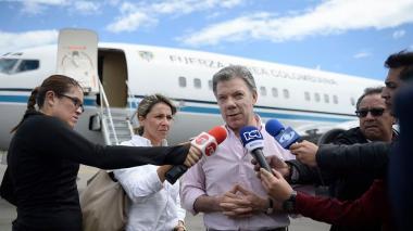 Santos lidera misión comercial en Cuba y se reúne con Castro
