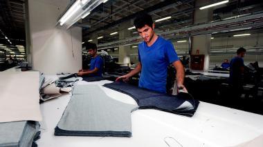 La baja demanda golpea la producción industrial