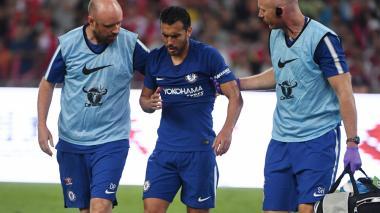 Conte confirma que Pedro sufre fractura múltiple en la cara tras choque con Ospina