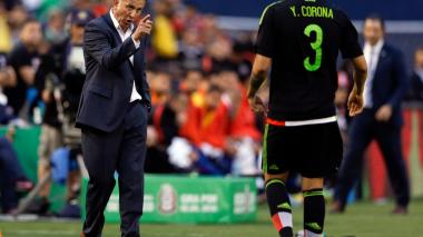 Osorio, criticado, es ratificado en México