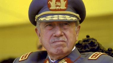 Pensión de invalidez que recibe hijo de Pinochet es investigada