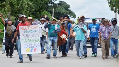 Manifestantes marcharon frente a la Alcaldía.