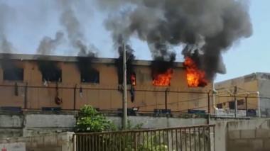 Aspecto del incendio en la cárcel Modelo ocurrido el pasado 13 de julio.