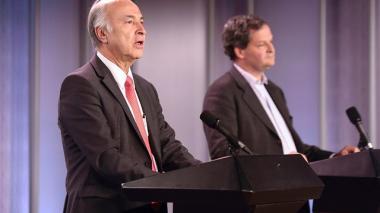 Enrique Gil Botero, ministro de Justicia, y Sergio Jaramillo, alto comisionado para la Paz.