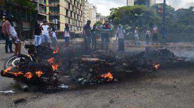 Al menos cuatro militares heridos al explotar artefacto en Caracas