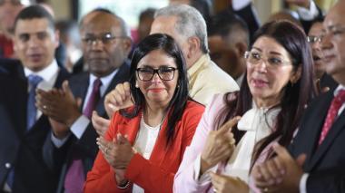 """Delcy Rodríguez: """"Jamás vamos a entregar las banderas"""""""