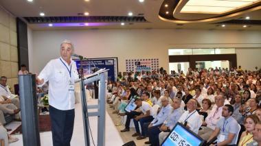 Uribe anuncia que este sábado se referirá sobre rectificación a Daniel Samper