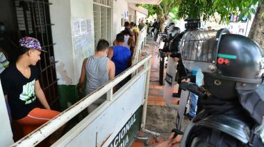 Suspenden envío de reclusos a estación de Policía por posible brote de meningitis