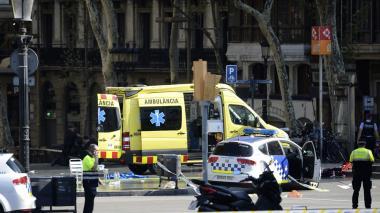 Atentado en Barcelona: ataque con vehículo deja estela de terror y muerte