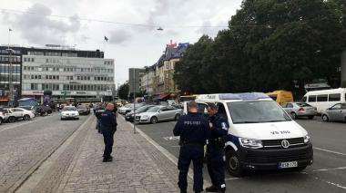Dos muertos y seis heridos deja un ataque con cuchillo en Finlandia