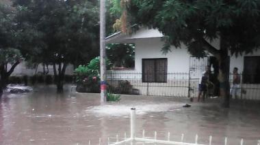 La lluvia ingresó a diez viviendas del municipio, pero no se presentaron daños materiales.