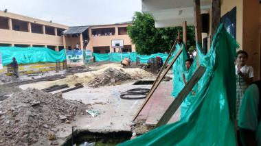 Denuncian daños por trabajos en colegio de Palmar de Varela