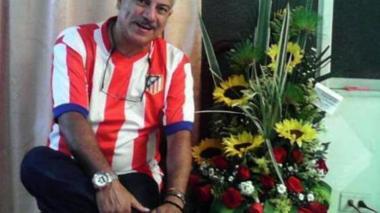 Elmer Agudelo, de 55 años, fue asesinado este domingo mientras departía con familiares.