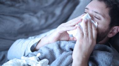 Especialistas recomiendan tomar mucho líquido, tener buena higiene de manos y tomar acetaminofén.