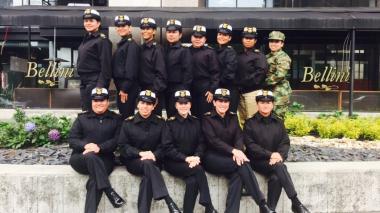 Las primeras 14 mujeres suboficiales de la Armada Nacional cumplen 20 años de servicio