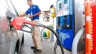 Precio de gasolina sube $90 en Barranquilla