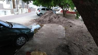 Zona peatonal obstruida en Adelita de Char.