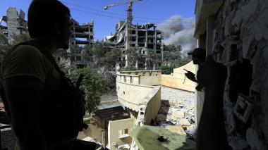 Rusia lanza misiles contra EI cerca de provincia de Siria