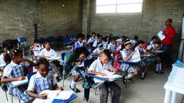 Estudiantes durante jornada de preparación para las pruebas saber.