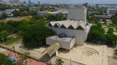 Vista aérea del Teatro Amira de la Rosa.