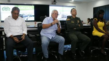Alcalde Joao Herrera y el general Mariano Botero Coy, en el consejo de seguridad.