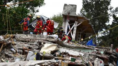 Se reanudan tareas de rescate en México tras un nuevo sismo