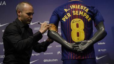 """Iniesta, el primer jugador del Barca renovado """"de por vida"""""""