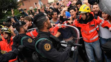 Gobierno español propone elecciones en Cataluña para terminar crisis