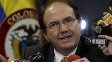 Bustos niega haberse reunido con Gustavo Malo para 'engavetar' proceso de Besaile