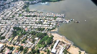 Vista aérea de la ciénaga de Mallorquín y zonas aledañas.