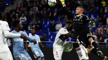 Sin Falcao, Mónaco pierde ante Lyon