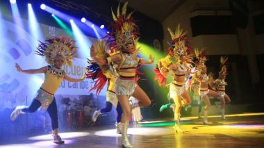 Presentación de uno de los países invitados al I Encuentro de Carnavales del Caribe.
