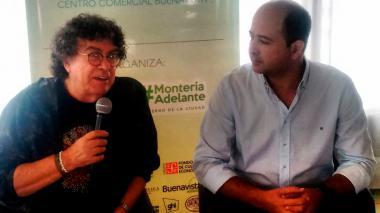 El cantante Piero durante su visita a Monteria.