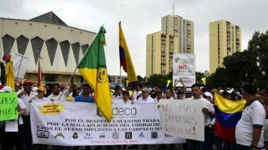 Tenderos marcharon contra el Código de Policía