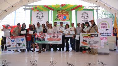 Sec. de Salud entregó varios certificados.
