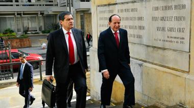 Ashton rinde indagatoria en la Corte por el 'cartel de la toga'