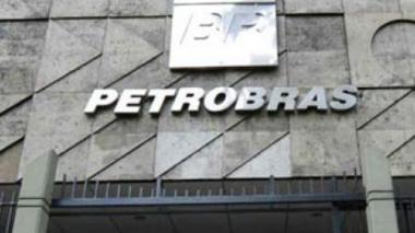 Gobierno firma acuerdo con Petrobras para realizar pequeñas obras para la paz
