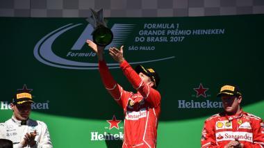 La celebración de Sebastian Vettel en el podio del Gran Premio de Brasil.
