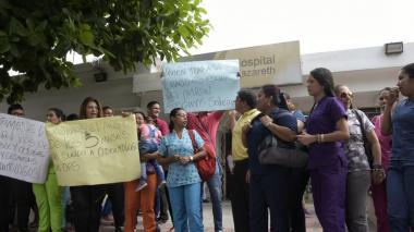 Odontólogos de la IPS Universitaria protestan por falta de pago en sus salarios
