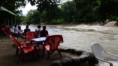 Por crecientes, restringen ingreso de bañistas al río Guatapurí