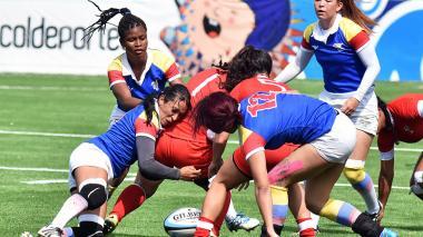 La Selección Colombia femenina de rugby se cuelga el oro bolivariano