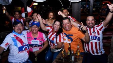 A pesar de la derrota, la afición juniorista celebró en Barranquilla