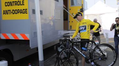 ¿A qué se expone Froome tras dar positivo en la Vuelta a España?