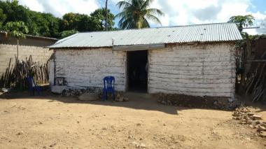 En esta vivienda ubicada en el corregimiento de Cotoprix, zona rural de Riohacha, vivía el niño.