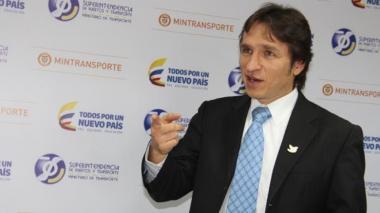 Supertransporte vigilará en línea las escuelas de conducción para acabar con fraudes
