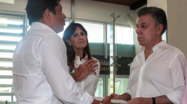 El rector Pablo Vera le explica al presidente Santos la intranquilidad que lo agobia.