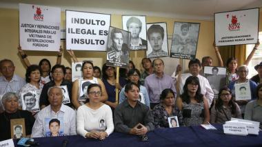 Familias de víctimas y organizaciones políticas mantienen rechazo en Lima.