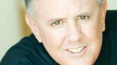 Creador de los 'Unplugged' de MTV muere arrollado por taxi en Nueva York