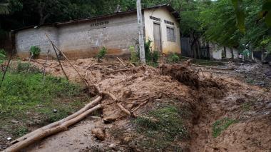 Deslizamiento en el municipio de Montecristo.